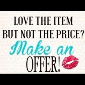 Like the item? Send a reasonable offer😊